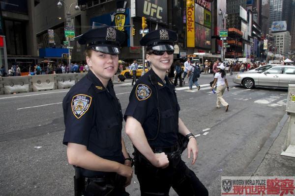 美国纽约女警-世界各国女警 2009.3